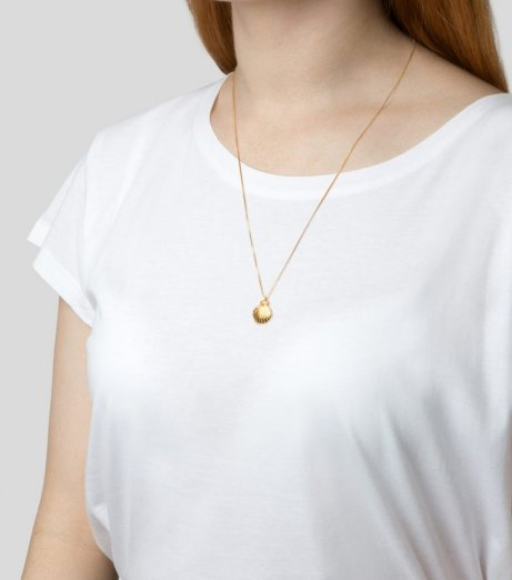 Syster P Beaches shell necklace gold